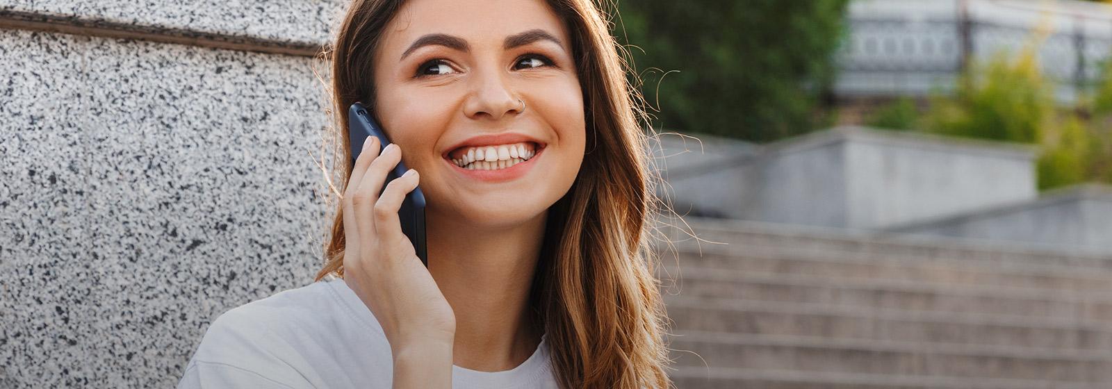 mujer consultora yanbal sonriendo preguntas frecuentes
